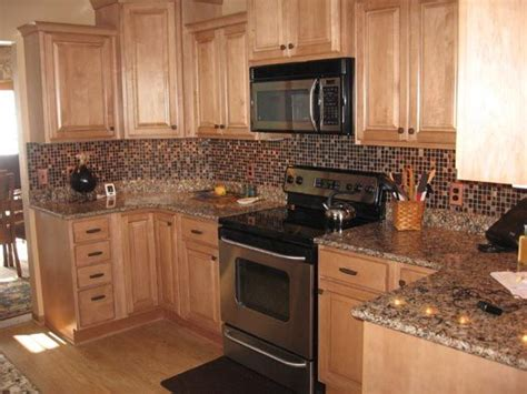 kitchens with light maple cabinets light maple kitchen cabinets plymouth maple cabinets 8794