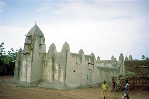 San, Djenne; Gallery Mali