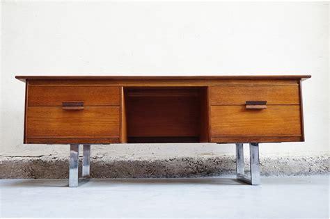 bureau vintage 馥s 50 meuble bas scandinave bureau tele teck annees 50 60 70 vintage design danois mad bureau emiellabroc vintage retro kitch