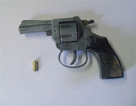 toys center san giuliano milanese cupole revolver 22 corto 28 images revolver crosman srn357 ca