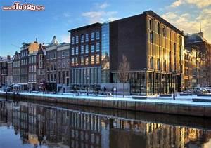 La Casa Di Anna Frank Fotografata In Inverno