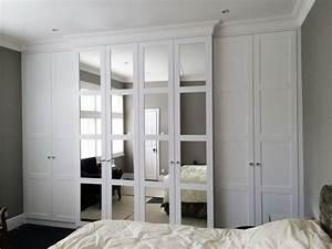 Weißer Kleiderschrank Mit Spiegel : kleiderschrank mit spiegel 49 ideen f r ihre einrichtung ~ Frokenaadalensverden.com Haus und Dekorationen