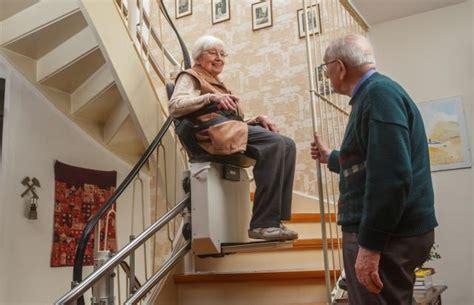 escalier pour personne agee adapter et s 233 curiser le cadre de vie d une personne 226 g 233 e actualit 233 s construire