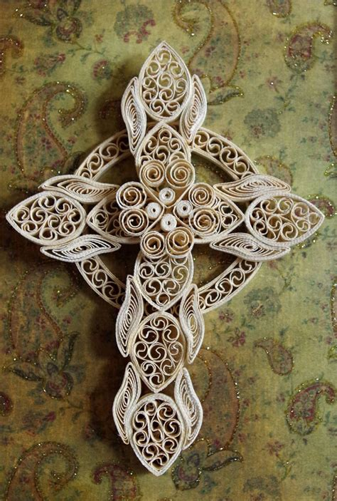 quilled celtic cross  fionas paper filigree quilling