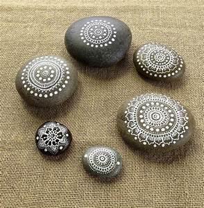 Steine Bemalen Vorlagen : 40 mandala vorlagen mandala zum ausdrucken und ausmalen m a n d a l a ~ Orissabook.com Haus und Dekorationen