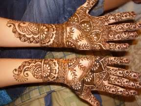 Mehandi Cone Designs Hands
