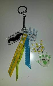 Bricolage Fête Des Pères Maternelle : porte cl s f te des p res en plastique fou avec feutres ~ Melissatoandfro.com Idées de Décoration