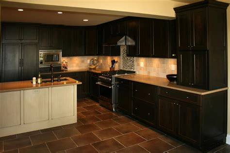 pictures of kitchens with painted cabinets photos glazed oak cabinets 9125
