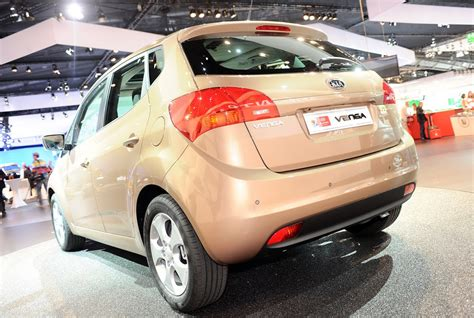 kia venga mini mpv updated   shots
