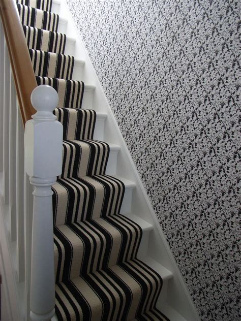Treppenaufgang Tapezieren Ideen by Halls Stairs And Landings Style Within