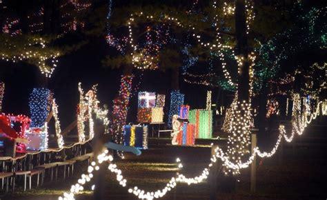 ditmas oark christmaslight displat 1 million lights illuminate jellystone display local news journaltimes
