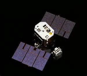 File:Capturing the Solar Maximum Mission satellite.jpg ...
