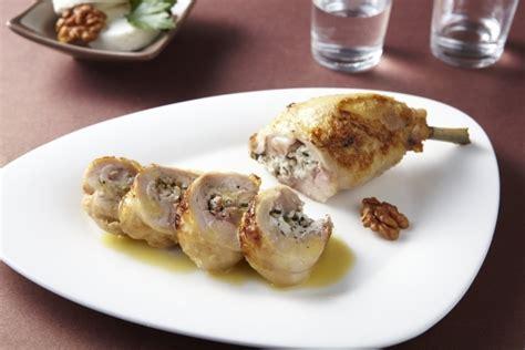 cuisine cuisse de poulet recette de poulet farci aux chignons