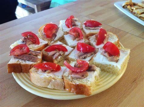 idée petit canapé apéro une idée pour l 39 apéro 6 toasts briochés à la sardine