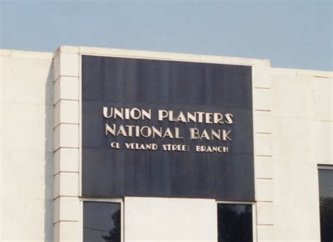 union planters bank signs 3 lost cr 232 me de memph