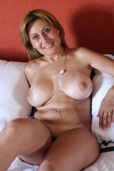 Nuria Putalocura Pictures And Videos