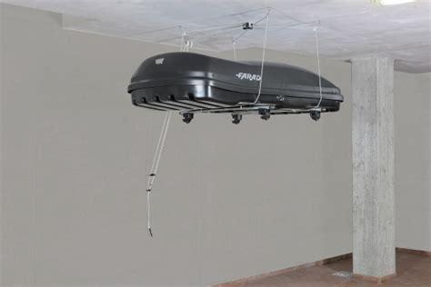 fixer un coffre de toit sollevatore baule portatutto