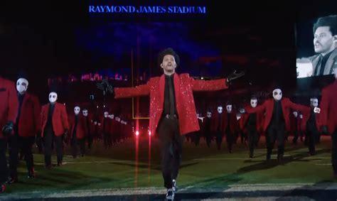 The Weeknd faz show de intervalo eletrizante no Super Bowl ...
