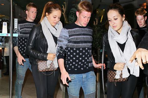Kevin De Bruyne takes his girlfriend for dinner - Mirror ...