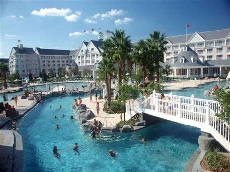 Boat Club In Orlando by Disney S Yacht Club Resorts Walt Disney World