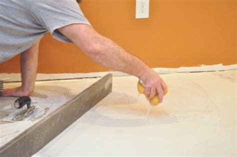 Describes how to level a concrete slab, plywood, or OSB