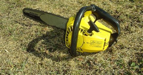 VINTAGE CHAINSAW COLLECTION: MCCULLOCH MINI MAC 6(SMALLEST