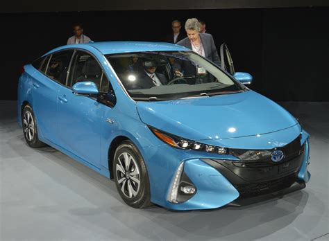 Toyota Prius V 2020 by 2020 Toyota Prius V Redesign And Price 2020 2021 Toyota