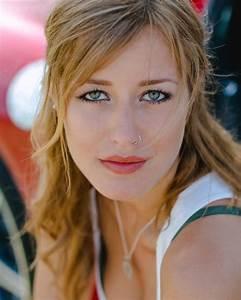 Sarah (SK_284526)