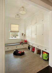 30 incredible mudroom ideas with storage lockers benches for Interior design mud rooms