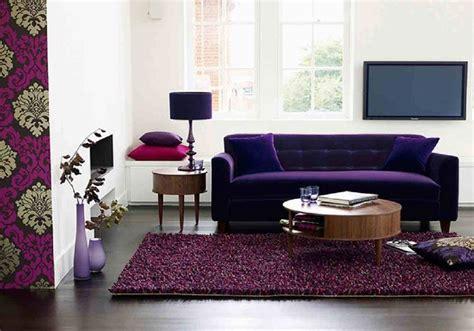 sofa roxo na decoracao da sala de estar