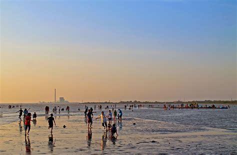 destinasi wisata alam pantai  curug  cirebon