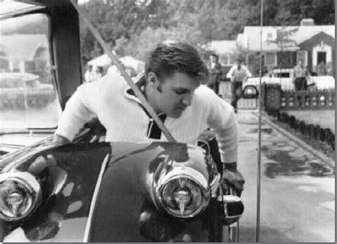 Elvis Presley with his 1956 Messerschmitt KR200 | CLASSIC ...