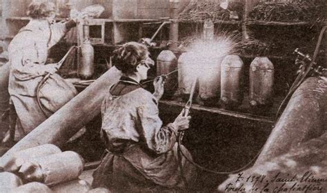 bureaux de change 13 ii la femme pendant la première guerre mondiale la mode