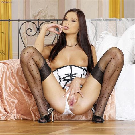 Hot Assed Evelyn Lory Touching Herself Fantasstic Babes