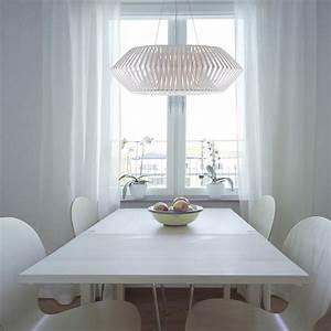 Lampen Für Esstisch : v handgearbeitete pendelleuchte mit lamellenschirm ~ Markanthonyermac.com Haus und Dekorationen