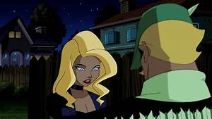 Black Canary and Green Arrow kiss - YouTube