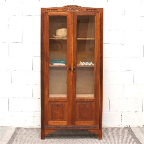 armoire ancienne vitree