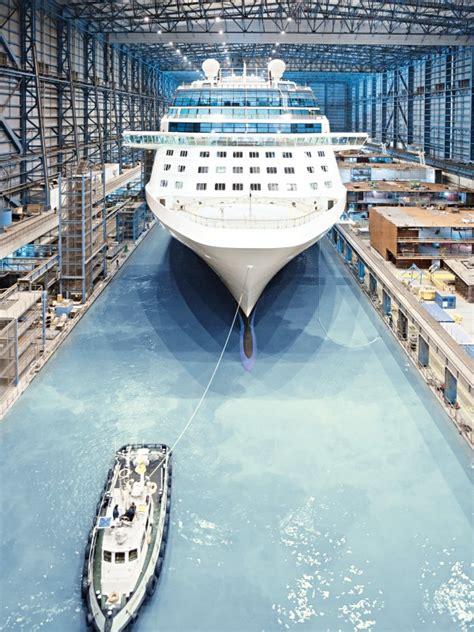 cruise ship  papenburg  final touches