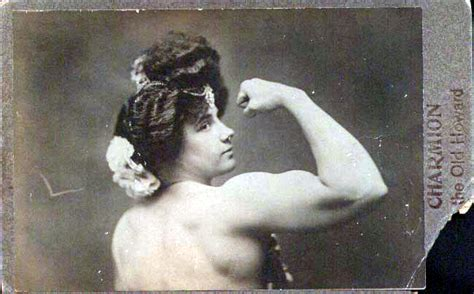 Bustles With Muscles A Photo Study Of Female Marvels Now Flashbak