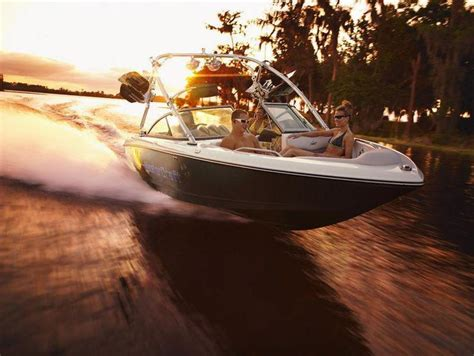 Wakeboard Boat Rentals Kentucky by Mastercraft X 30 Speedboat