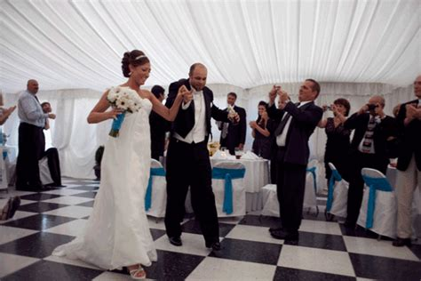 pictures wedding and bridal trends in 2015 choreographed entrance wedding trends 2015