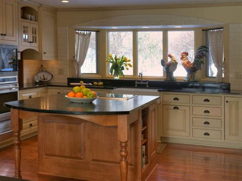 country kitchen cabinet ideas country kitchen cabinets pictures options tips