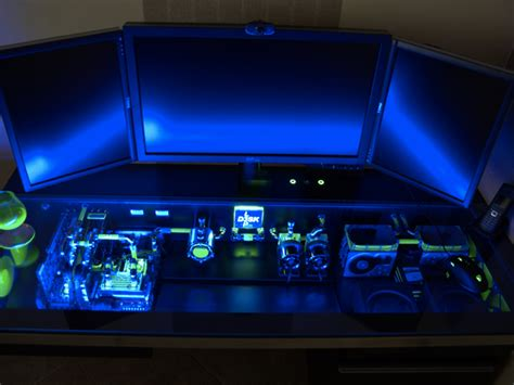 pc dans bureau casemod un ordinateur dans un bureau