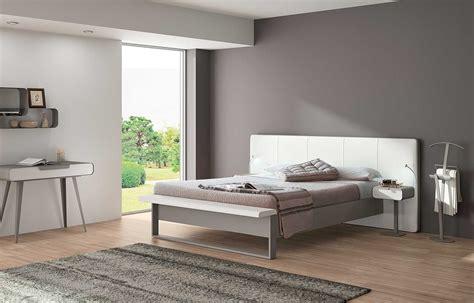 couleur taupe et chambre couleur taupe et beige gris deco clair blanc chocolat cosmeticuprise
