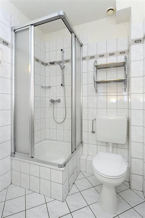 Badezimmer Mit Dusche by Badezimmer Dusche Und Wc