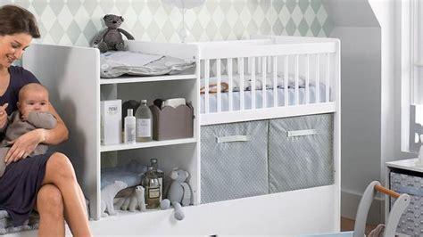 bebe dans chambre des parents aménager un coin pour bébé dans une chambre parentale