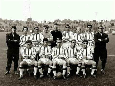 Dunfermline Athletic team group in 1965. | Dunfermline ...