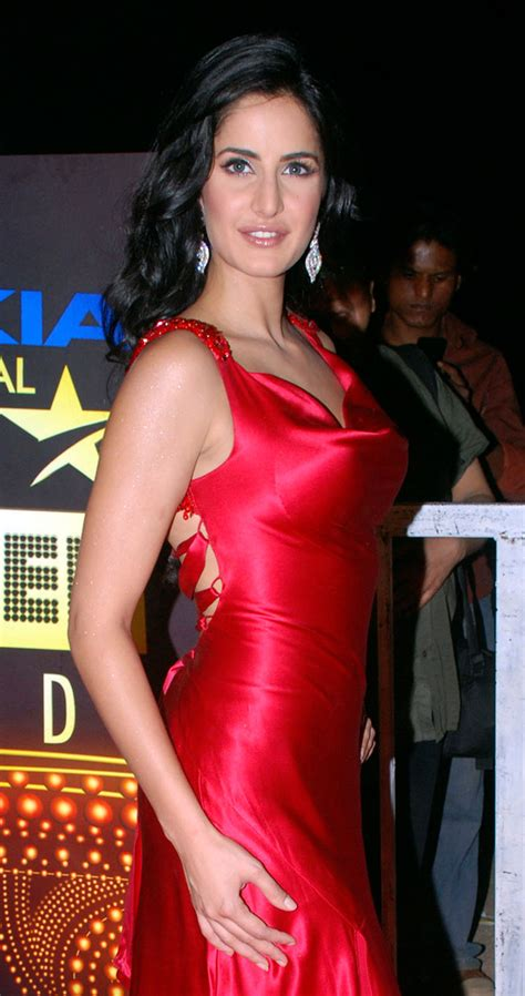 happy  birthday katrina kaif   stunning red