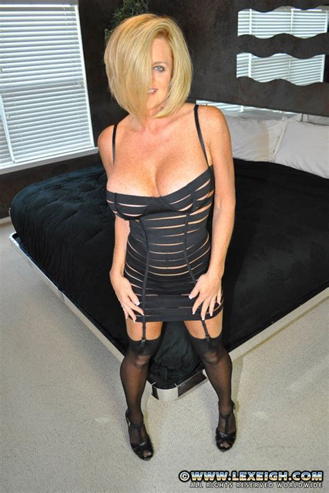 Milf Lexeigh Display Her Immense Hooters Moms Archive