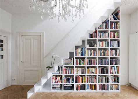 astuces pour amenager  dessous descalier clematc